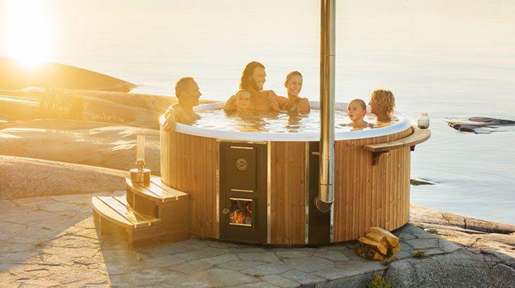 Hot Tub Deutschland : Fiberglas ausgekleidete hot tub mit integriertem brenner